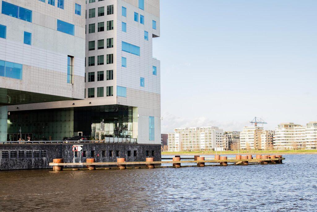 De uitstekende locatie van Mos Amsterdam